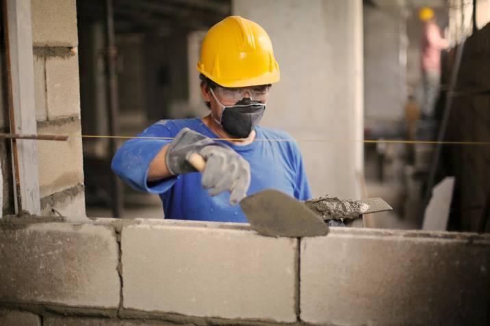 Aumento para trabajadores  de la construcción