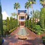 JARDÍN FLORIDO. Le Meridien N'Fis regala el jardín andaluz más bello del destino.