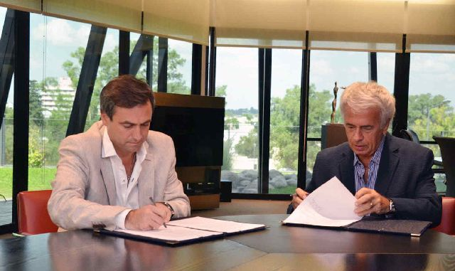 TREGUA. El acuerdo firmado ayer entre De la Sota y Mestre pone fin a un incipiente litigio que amenazaba con derivar en un juicio ante el Tribunal Superior.