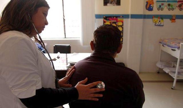 PODIO. Argentina es el país que cuenta con más neumonólogos per cápita en América Latina.
