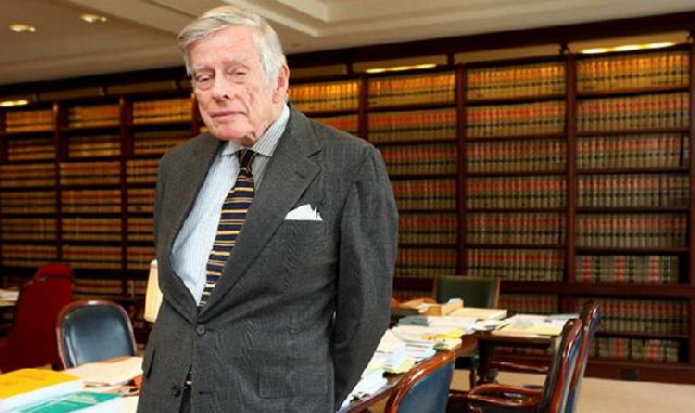 AL ACECHO. El juez Thomas Griesa actuó con rapidez ante rumores sobre colocación de deuda argentina.