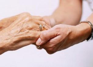 CÓRDOBA. La iniciativa presentada pretende regular la profesión de acompañante terapéutico y la actividad de cuidador domiciliario.