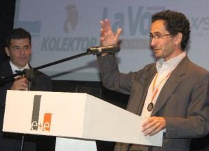 GALARDONADA. Rabellini recibió el premio por su emprendimiento que fusiona creatividad y cartón.
