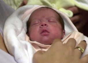 TIPO PENAL. El tribunal resaltó que la información filiatoria de la beba no era falsa sino parcial.