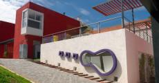Se levanta en barrio San Salvador sobre un terreno de 1.700 m2.