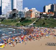 EL CLÁSICO DE LA COSTA. Mar del Plata lidera el ranking de los lugares más buscados en la web.