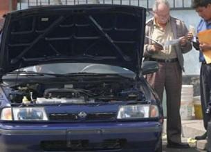 TRÁMITE. La veriifcación policial aprobó un vehículo cuyo número de motor estaba adulterado.