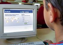 niño facebook computadora