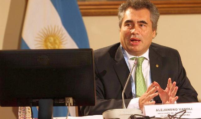 BANCO CENTRAL. Su titular, Alejandro Vanoli, insiste en la necesidad de confiar en la moneda local.
