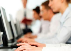 EN FALTA. Las computadoras de la demandada contenían programas ilegales.