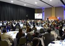 SALA COMPLETA. Más de 400 personas asistieron al evento de formación en sustentabilidad.