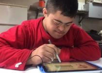 """PROYECTO. Transforma a las personas con discapacidad intelectual en """"nativos digitales""""."""