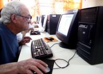anciano computacion