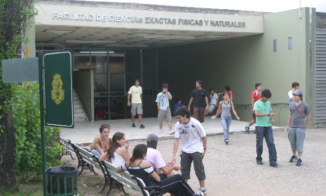 INGENIERÍAS. La facultad de la UNC se sumó al Sistema de Reconocimientos Académicos.