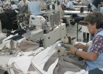 TRABAJADORES. Cuatrocientos mil se desempeñan en la industria textil  en el país, lo que motoriza las economías regionales.