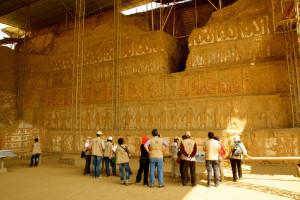 GRANDES HALLAZGOS. El tour descubre templos decorados y entierros reales de soberanos.